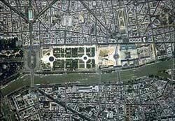 Вид с воздуха на дворец.